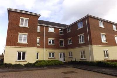 2 Bedrooms Flat for rent in EAST SWINDON