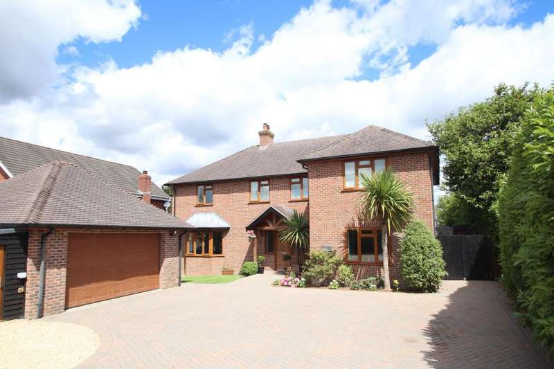 5 Bedrooms Detached House for sale in Wimborne Road East, Ferndown, Dorset, BH22 9LZ