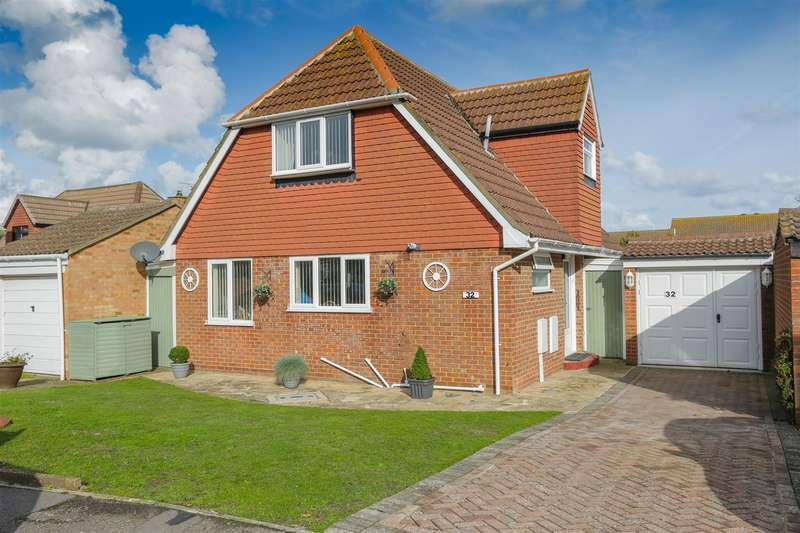 3 Bedrooms Detached House for sale in Barrington Crescent, Birchington