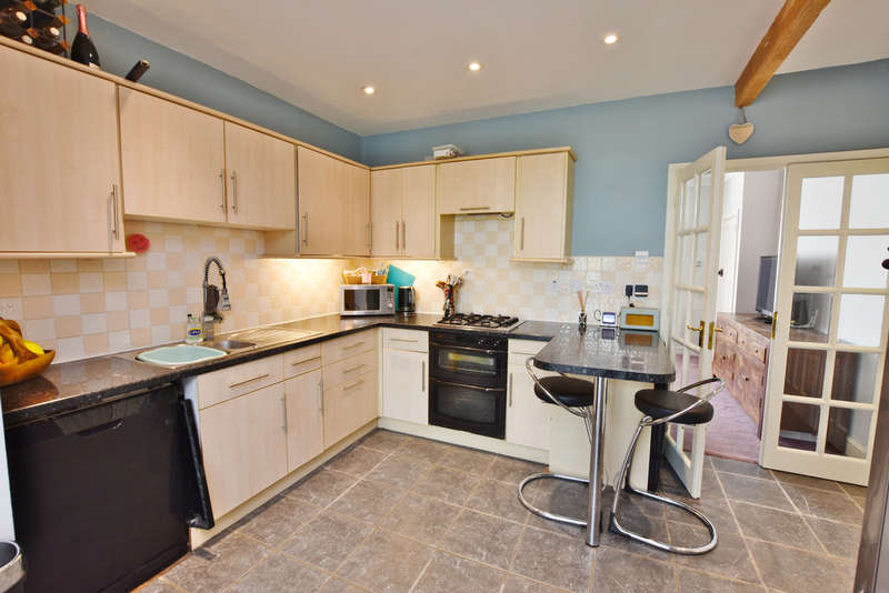 3 Bedrooms Terraced House for sale in Fern Way, Watford
