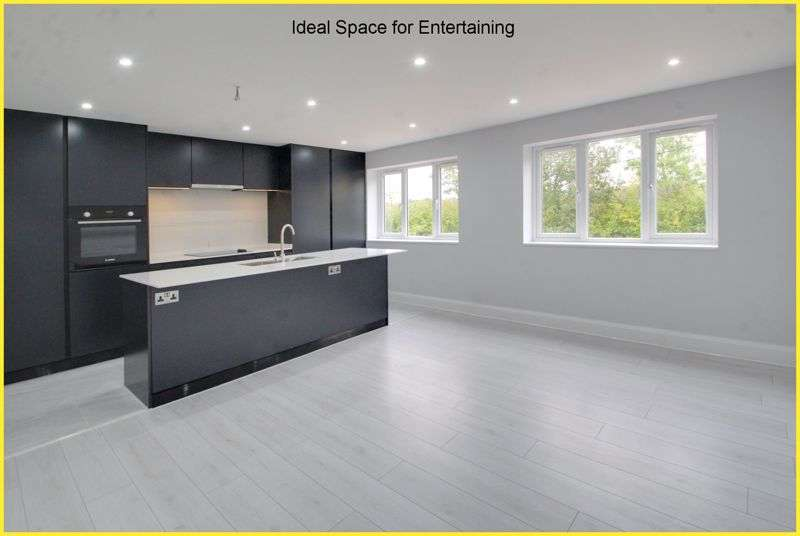 2 Bedrooms Property for sale in Kingswood Lane, Warlingham