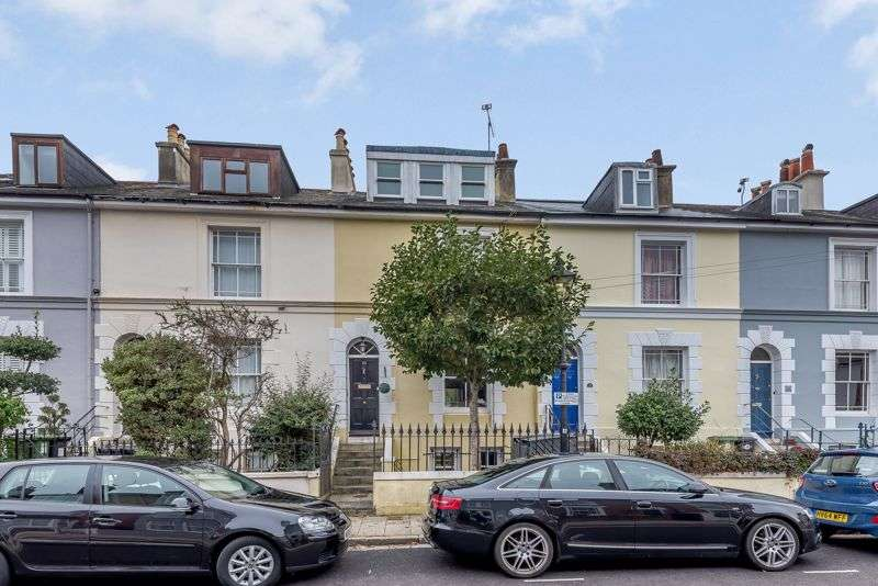 3 Bedrooms Property for sale in Stanley Street, Southsea, PO5