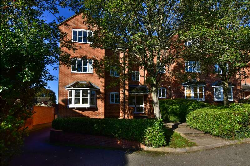 2 Bedrooms Flat for sale in Mallard Court, Swan Close, Rickmansworth, Hertfordshire, WD3