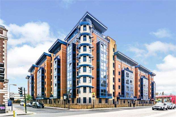 3 Bedrooms Apartment Flat for sale in Charter House, 85 Canute Road, Southampton