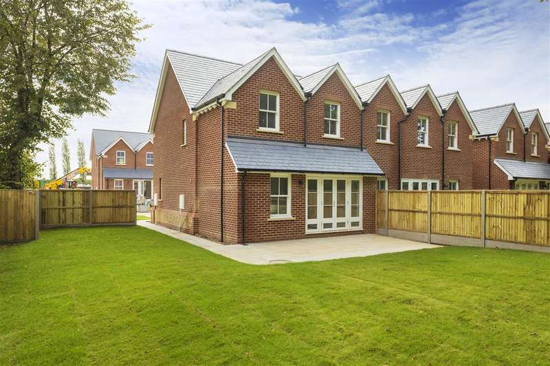 3 Bedrooms Semi Detached House for sale in The Old School Field, London Road, Dunkirk