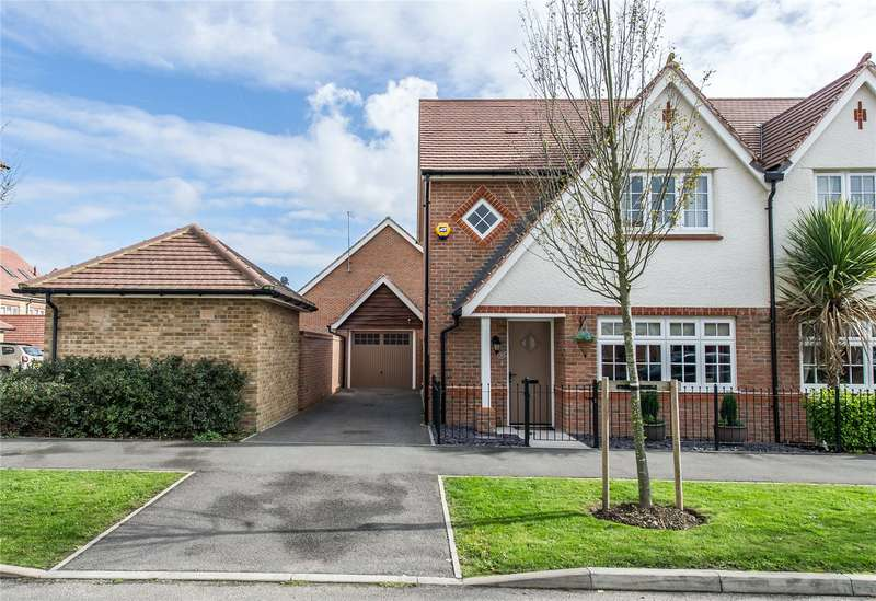 3 Bedrooms Semi Detached House for sale in Limeburners Drive, Halling, ME2