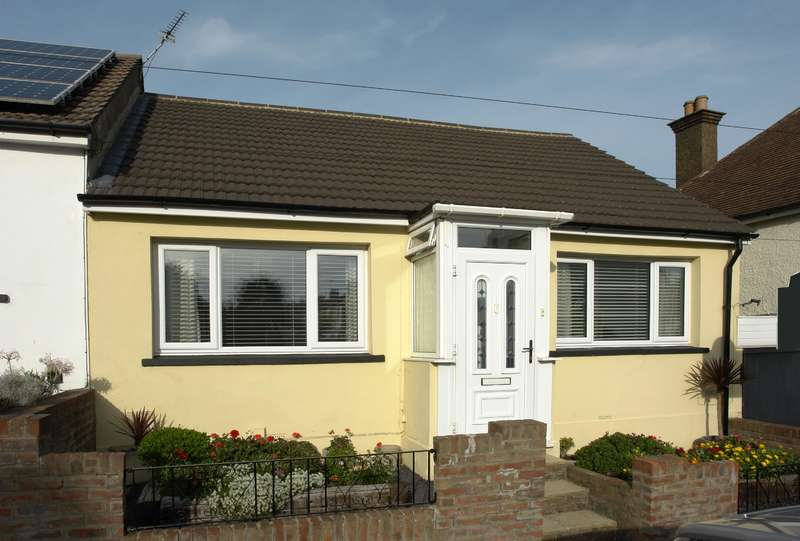 2 Bedrooms Bungalow for sale in Randall Road, Chatham, ME4 6JY