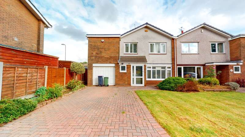 4 Bedrooms Semi Detached House for sale in The Highway, Croesyceiliog, Cwmbran