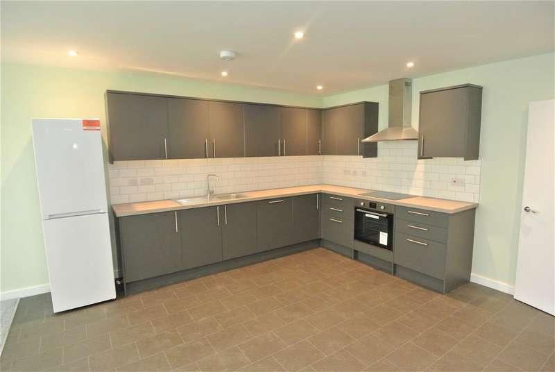 2 Bedrooms Apartment Flat for rent in Weybridge