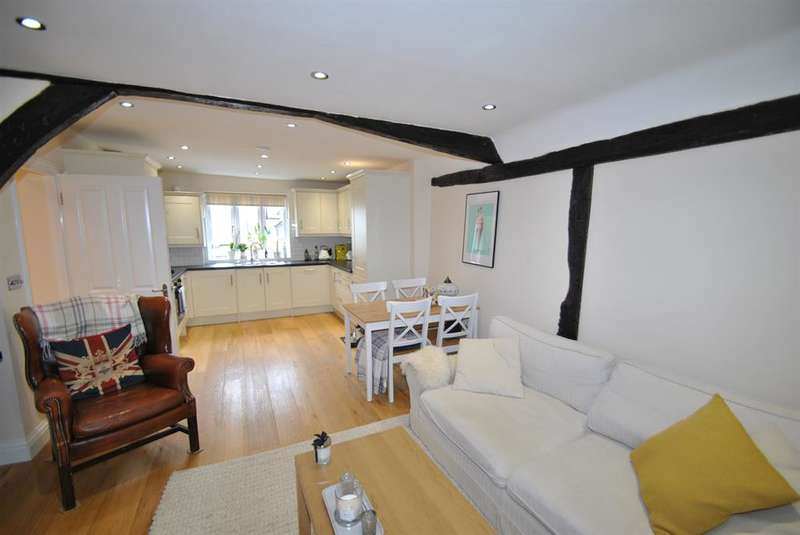 3 Bedrooms Terraced House for sale in High Street, Buntingford, SG9 9AD