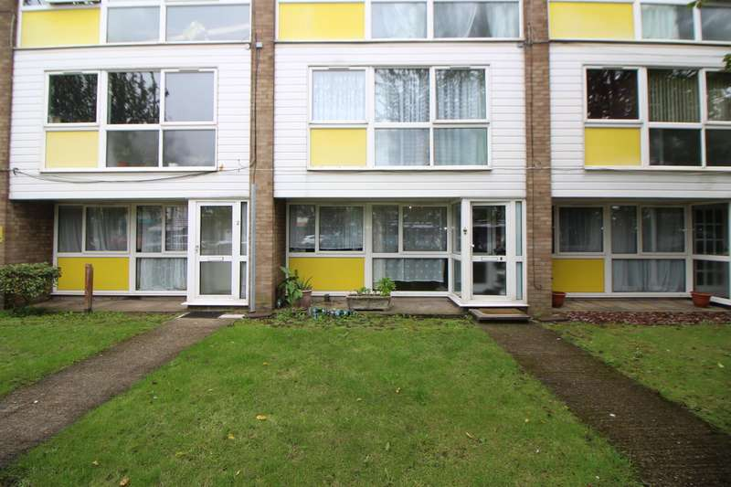 2 Bedrooms Flat for sale in Crossbrook Street, Cheshunt, Waltham Cross