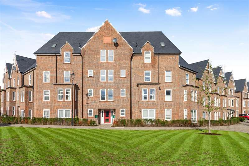 1 Bedroom Flat for sale in Wyvern Way, Burgess Hill