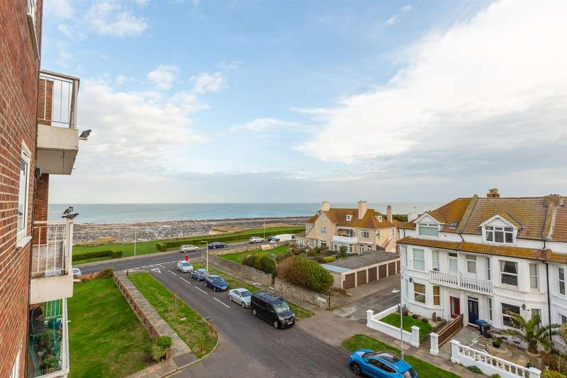 2 Bedrooms Flat for sale in April Rise, Alfred Road, Birchington
