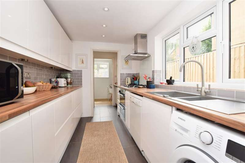 3 Bedrooms Terraced House for sale in Rothes Road, , Dorking, Surrey