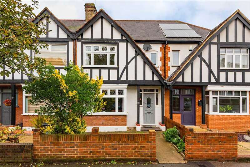 4 Bedrooms Terraced House for sale in Sky Peals Road, Woodford Green, Essex, IG8