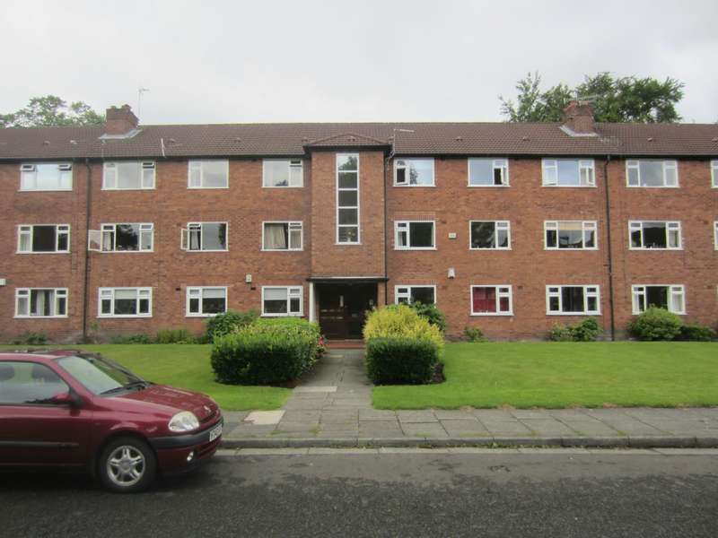 3 Bedrooms Flat for rent in Woodlawn Court, Whalley Range, Manchester, M16