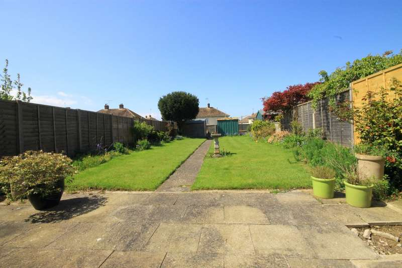 3 Bedrooms Terraced House for sale in Broomfield Road, Faversham