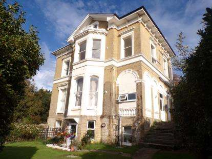 1 Bedroom Flat for sale in 54 West Hill Rd, Ryde, Isle Of Wight
