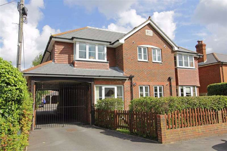 2 Bedrooms Flat for sale in Ashley Lane, Hordle, Hampshire
