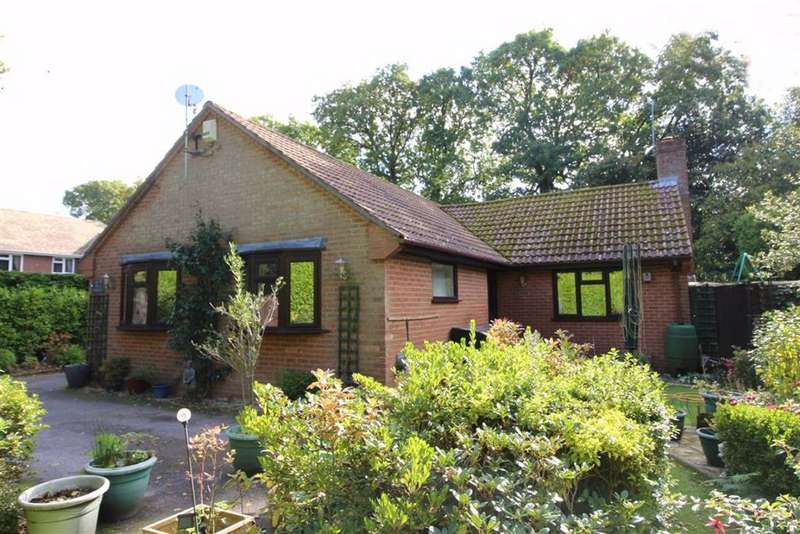 3 Bedrooms Detached Bungalow for sale in New Milton, Hampshire