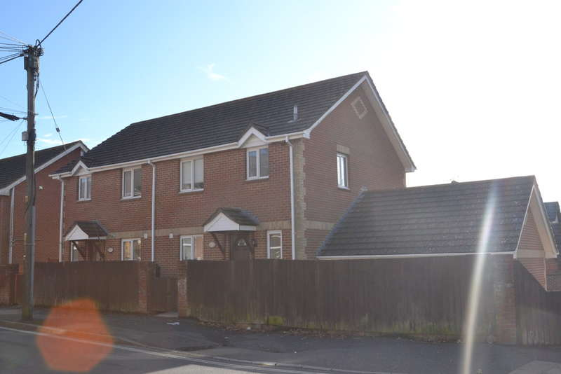 3 Bedrooms Semi Detached House for sale in St Johns Road, Wroxall