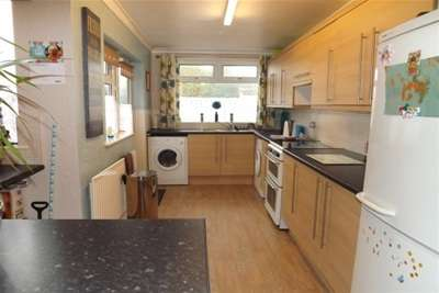 3 Bedrooms House for rent in Silk Street, Sutton In Ashfield, NG17