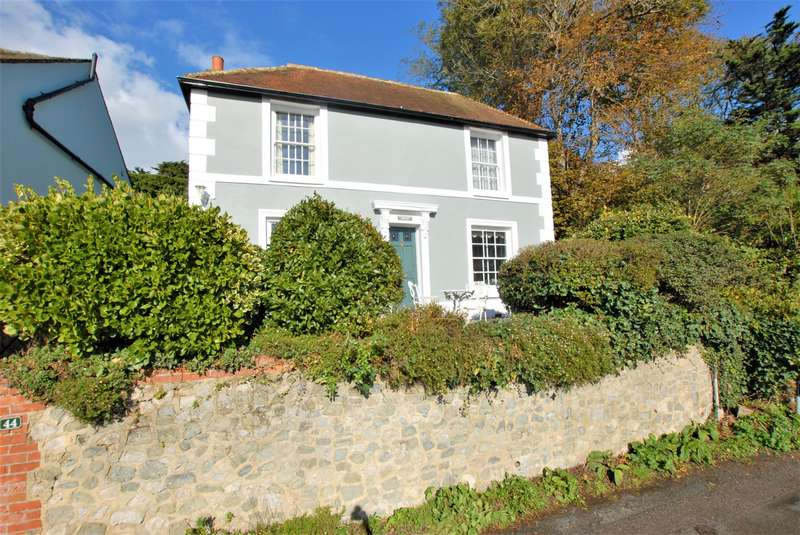 2 Bedrooms Detached House for sale in North Road, Hythe, CT21