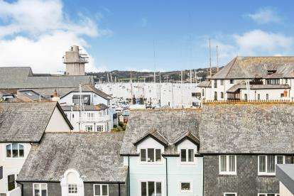 2 Bedrooms Retirement Property for sale in Falmouth, Cornwall, .