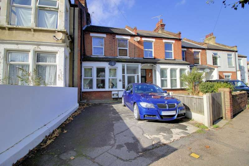 2 Bedrooms Flat for sale in Hamlet Court Road, Westcliff on Sea, Essex, SS0 7DD