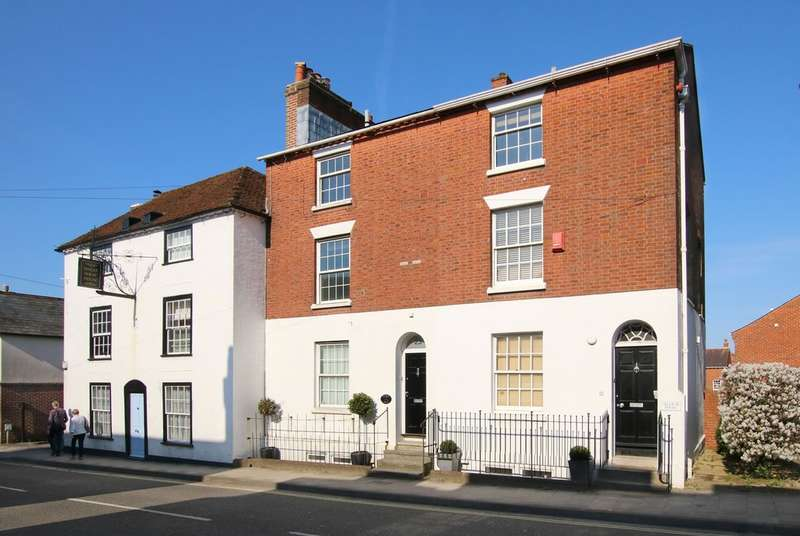 3 Bedrooms Town House for sale in Gosport Street, Lymington, Hampshire