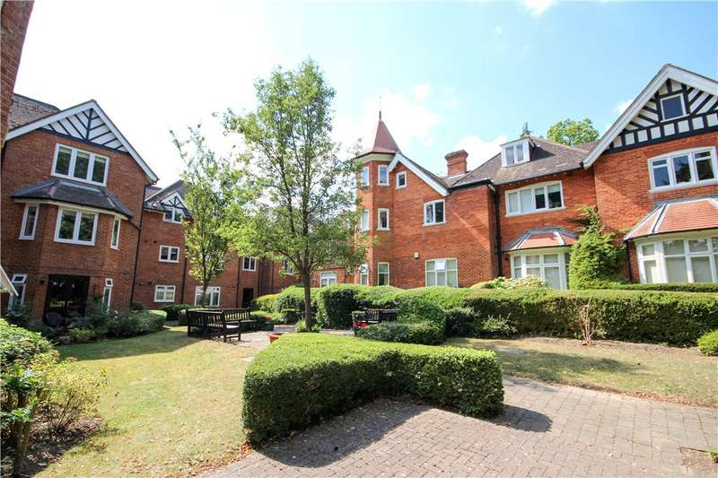 2 Bedrooms Apartment Flat for sale in Lefroy Park, Fleet, Hampshire, GU51