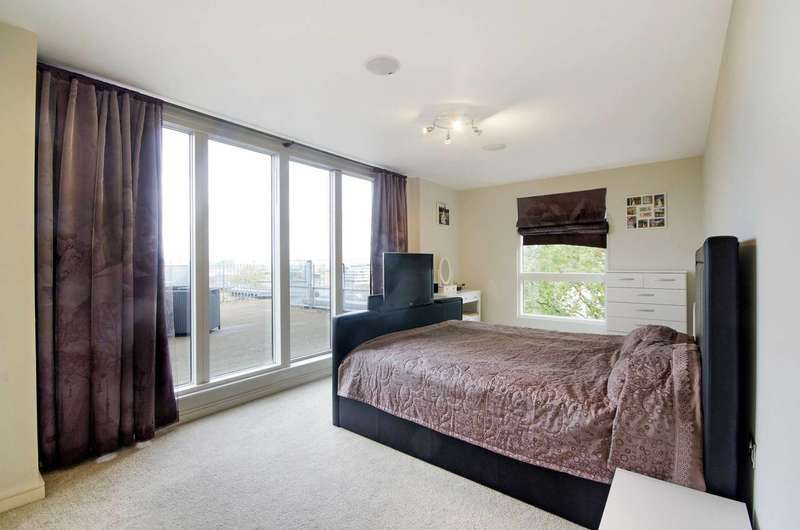 3 Bedrooms Penthouse Flat for rent in Seren Park Gardens, Greenwich, SE3