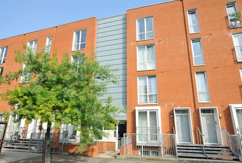2 Bedrooms Flat for sale in Bouverie Road, London