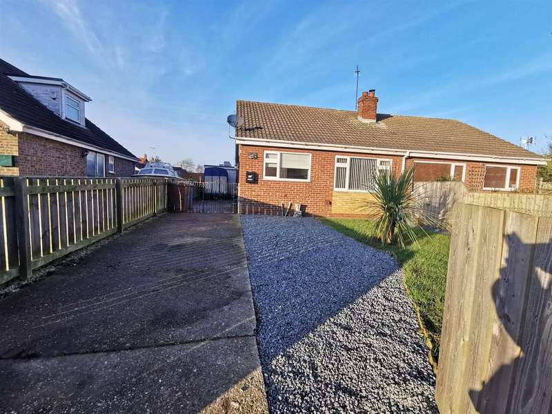 2 Bedrooms Semi Detached Bungalow for rent in Carlton Drive, Aldbrough, Hull