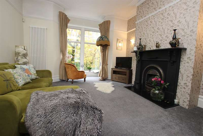 3 Bedrooms Terraced House for sale in Belgrave Road, Darwen, BB3 2SF
