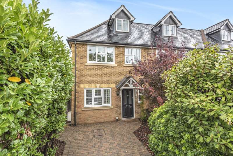 4 Bedrooms Town House for sale in Molesey Road, Hersham, Walton-On-Thames, KT12
