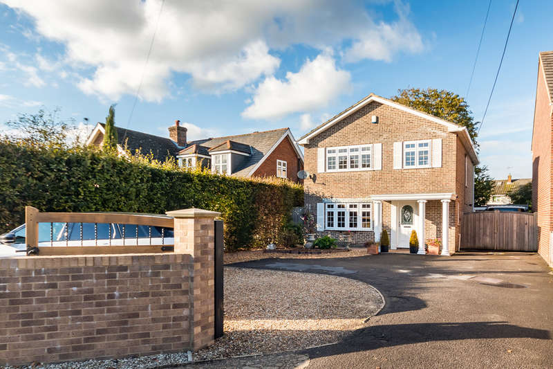 4 Bedrooms Detached House for sale in Hightown Road, Ringwood, Hampshire