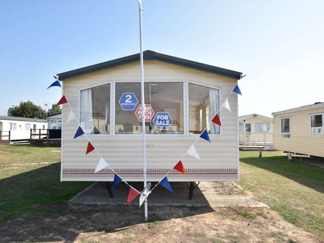 2 Bedrooms Caravan Mobile Home for sale in Dovercourt, Harwich