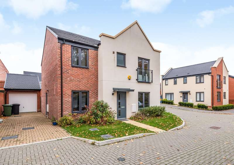 5 Bedrooms Detached House for sale in St Hilda Gardens, Sherborne Fields, Basingstoke, RG24