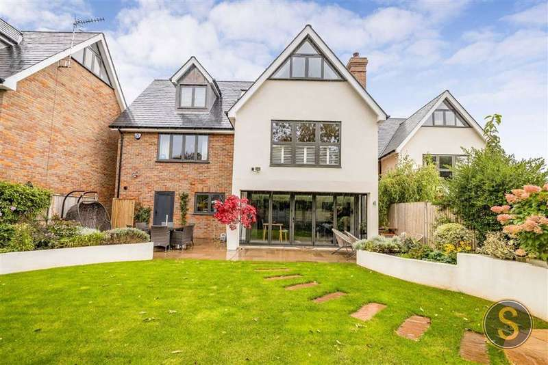 4 Bedrooms Detached House for sale in Canal Court, BERKHAMSTED