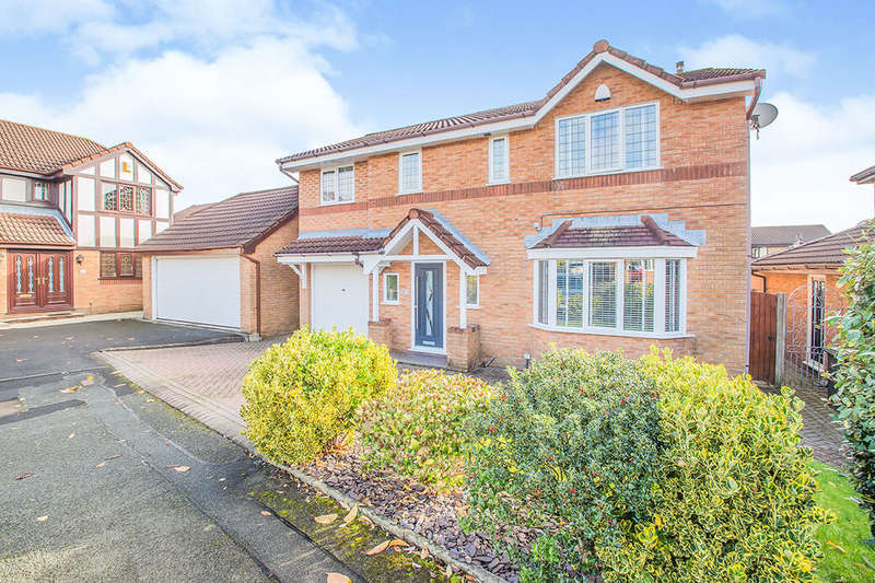 4 Bedrooms Detached House for sale in Kentsford Drive, Radcliffe, M26