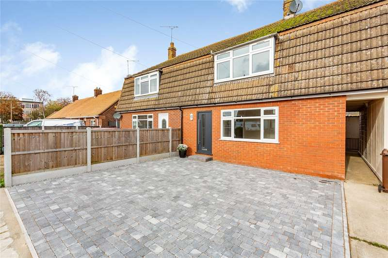 3 Bedrooms Terraced House for sale in Church Avenue, Broomfield, Chelmsford, CM1