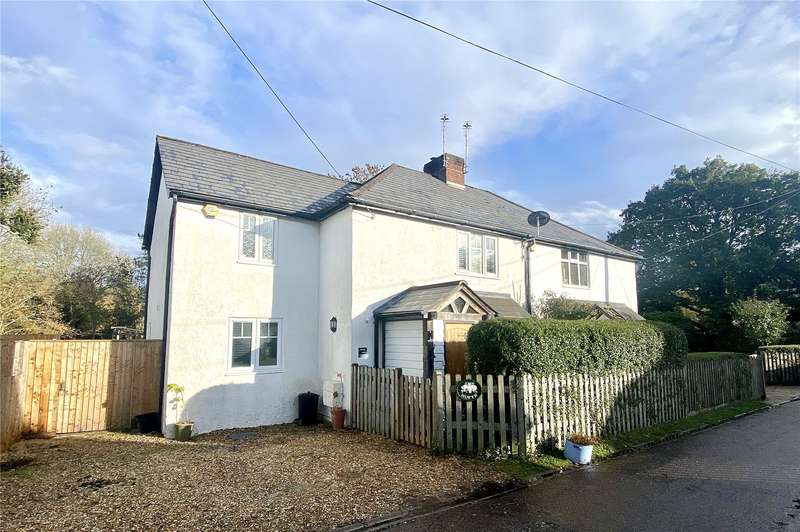 3 Bedrooms Semi Detached House for sale in Copse Road, Burley, Ringwood, BH24