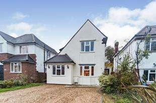 3 Bedrooms Detached House for sale in Harbledown Road, Sanderstead
