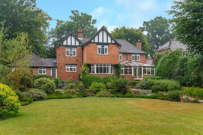 6 Bedrooms Detached House for sale in Cross Oak Road, Berkhamsted