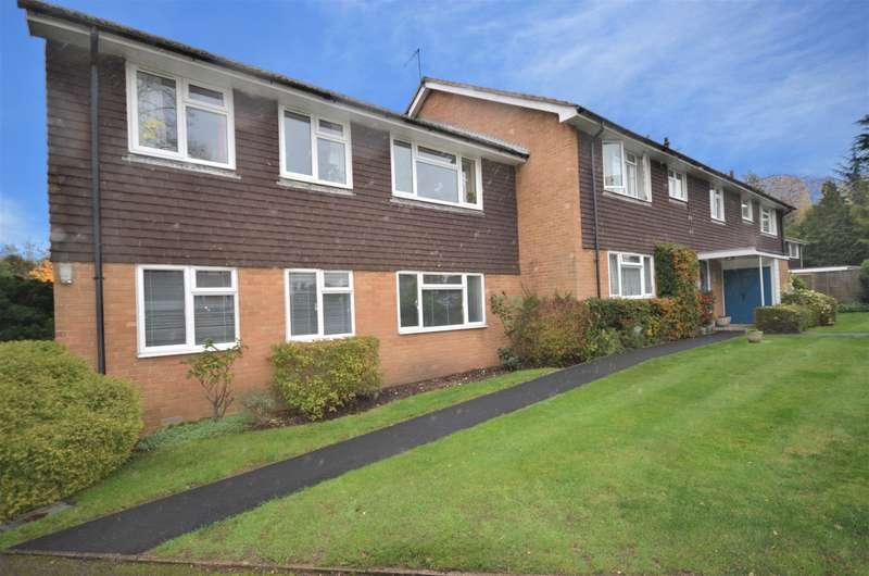2 Bedrooms Apartment Flat for rent in Avon Court, Pit Farm Road, Guildford, GU1