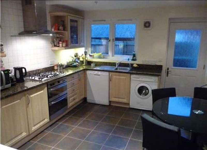 4 Bedrooms Semi Detached House for rent in Market Street, Exeter, EX1 1DL