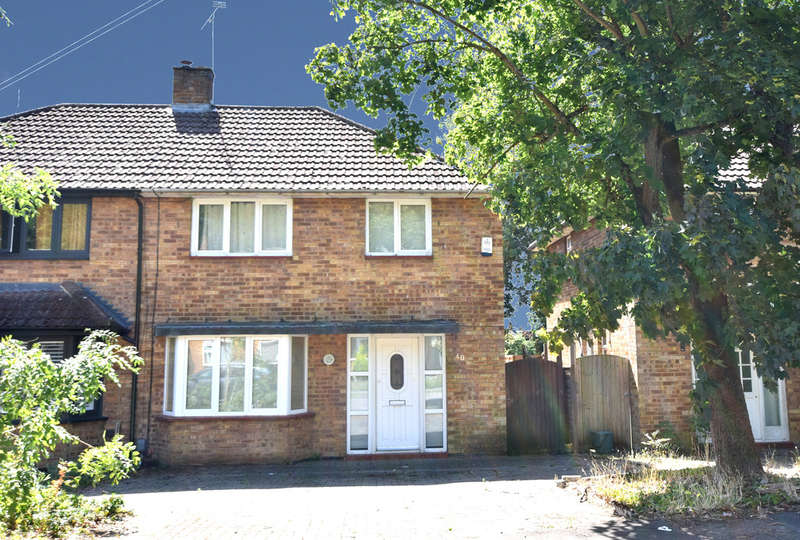 3 Bedrooms Semi Detached House for sale in Black Boy Wood, Bricket Wood