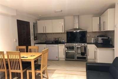 7 Bedrooms House Share for rent in GRAYS ROAD, HEADINGTON