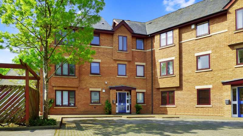 3 Bedrooms Flat for rent in Swan Court, Paradise Street, Oxford